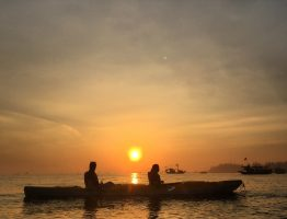 SUNRISE PADDLE TO CUA DAI BRIDGE